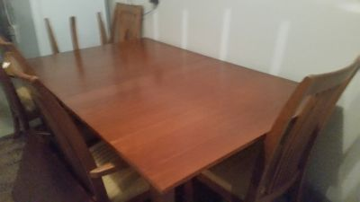 Brand New Ethan Allen Table *Never Used