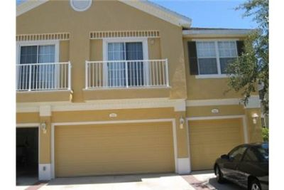 Beautiful 3BR/2 CG TOWNHOUSE in Gated Community