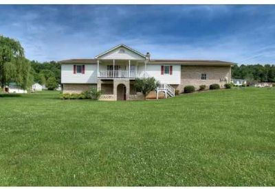 201 Clark Rd BRISTOL, Situated just 3 miles from The