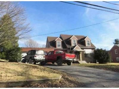 3 Bed 1.5 Bath Foreclosure Property in Terra Alta, WV 26764 - N Toy St