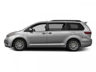 2016 Toyota Sienna XLE 7-Passenger (Silver Sky Metallic)