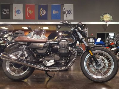 2017 Moto Guzzi V7 III Anniversario Standard/Naked Motorcycles Saint Charles, IL