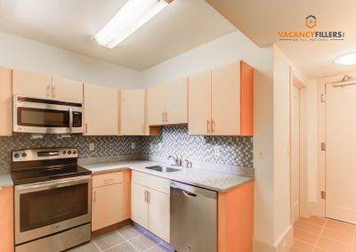 *RARE* Mt. Vernon 1 bd. w/dishwasher,laundry,central ac, and fitness center!