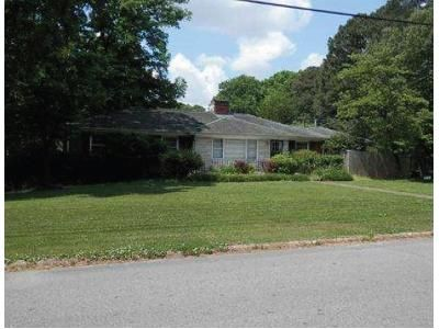 4 Bed 2 Bath Foreclosure Property in Florence, AL 35630 - Jackson Rd