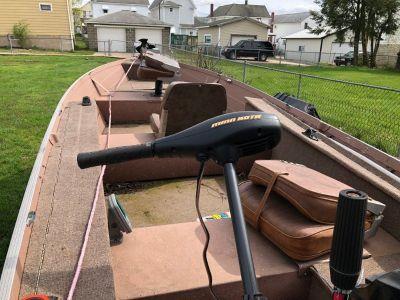 Grumman 16' V boat