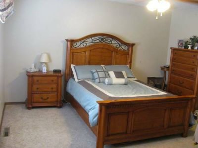 - $210 Furnished Bedroom  Bath Parking available Everything is included (Dallas,Downtown)