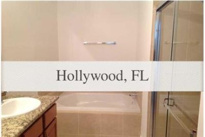 Gorgeous 3 story, new Town-home in a great, safe area. Washer/Dryer Hookups!