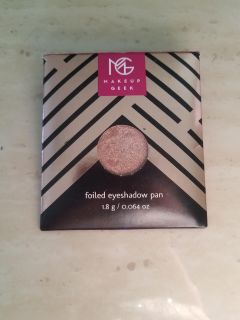 MAKEUP GEEK FULL SIZED FOILED EYESHADOW PAN. LIGHTLY SWATCHED. STARRY EYED
