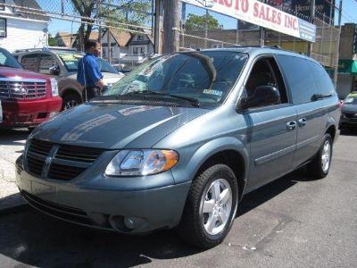 2006 Dodge Grand Caravan SXT (Blue)