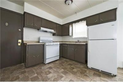1 bedroom Apartment - This 6 unit building in Calumet Park features Cooking Gas Included.