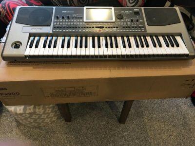 KORG PA900 Keyboard Synthesizer