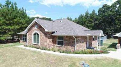 7791 County Road 329 Buffalo Three BR, TX-2016 Brick Home on