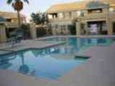 3 Bd Condo In Gated Comm Wpool Appliances Incl
