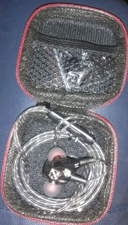 new earbuds /w carry case