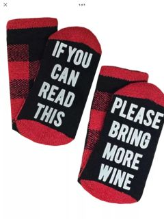 Fall winter new giftable socks if you can read this please bring me wine unisex