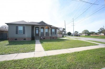 $3000 3 single-family home in Metairie