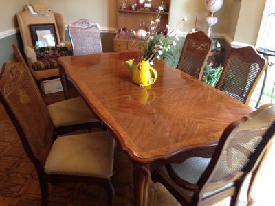 Maple Finish Dinning Table w/six padded High back chairs & Leaf
