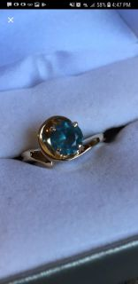 Size 7 10 kt yellow gold ring