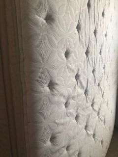 FREE-KS PILLOW TOP MATTRESS