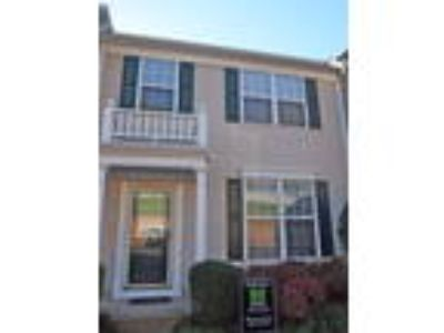 Charming Three BR Townhome in Alpharetta- Close to Shops!