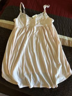 Victoria Secret Baby Doll Nightie. Size Large Never been Worn. Tag still on