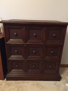 Brown chest of drawers