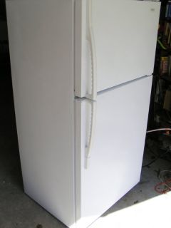 REFRIGERATOR- White REF-18 Cubic ft-GE