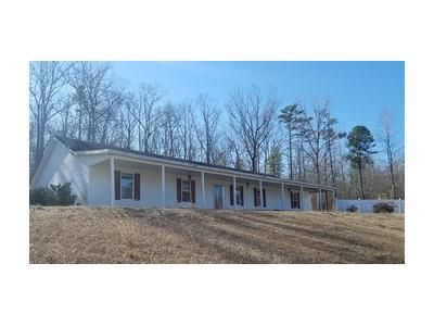 4 Bed 2 Bath Foreclosure Property in Guin, AL 35563 - County Highway 61