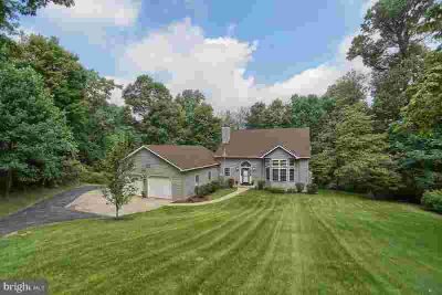 449 Texter Mountain Rd Robesonia, Unique and private