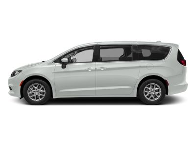 2017 Chrysler Pacifica Touring-L Plus (Bright White Clearcoat)