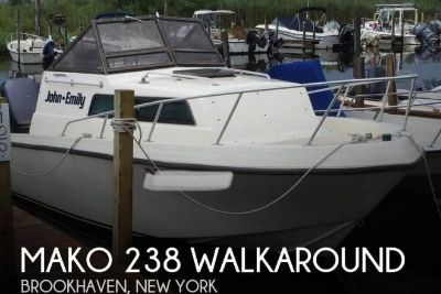 1984 Mako 238 Walkaround