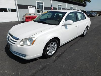 2006 Toyota Avalon XL (Blizzard Pearl)