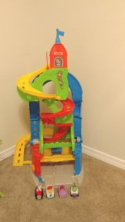 Fisherprice 2 way racetrack and four cars