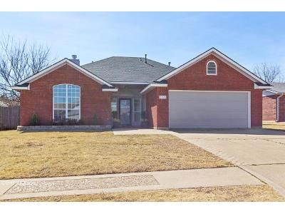 3 Bed 2 Bath Foreclosure Property in Lawton, OK 73505 - SW Parkridge Blvd