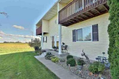 2012 S SECOND Avenue Morton, Lovely Three BR Three BA townhome w/2,100