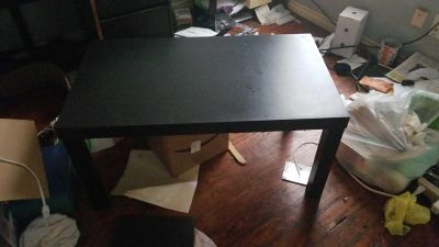 Sturdy Table   Computer Desk FREE