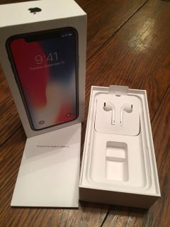 iPhone Earbuds - Brand New