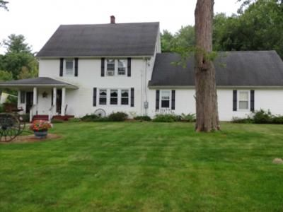 4 Bed 2 Bath Preforeclosure Property in West Springfield, MA 01089 - Amherst St