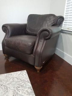 Natural leather club chair