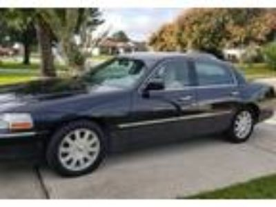 2009 Lincoln Town-Car Luxury in Orlando, FL