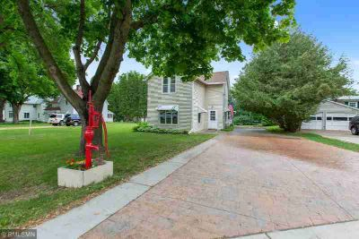 6157 Beach Road N OAK PARK HEIGHTS Two BR, Don't miss out on