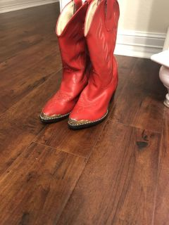 Girls size 13 1/2 read boots
