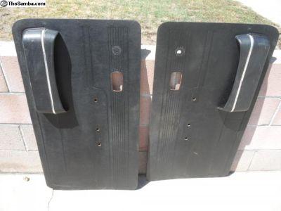 1974 411 front door panels w/pockets