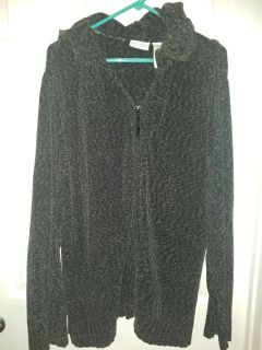 White stag 22/24 hooded sweater..zip up
