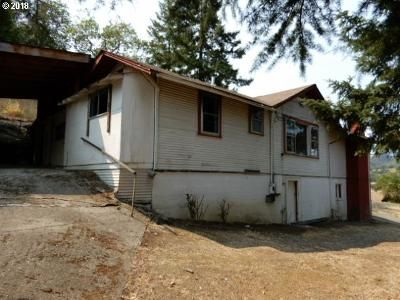 2 Bed 1 Bath Foreclosure Property in Roseburg, OR 97470 - SE Strong Ave