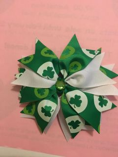 St patty s day hair clip