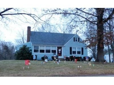 3 Bed 2 Bath Foreclosure Property in Newington, CT 06111 - Stoddard Ave