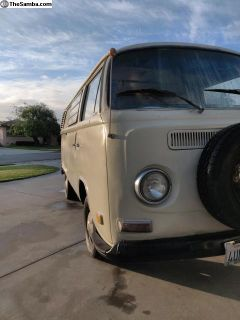 1972 VW bus (Tiptop Westy / Westfalia / Weekender)
