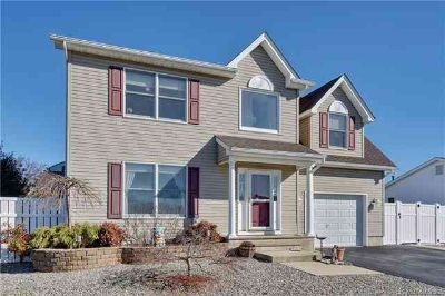 2B Hollywood Boulevard Lacey Township Three BR, Beautiful