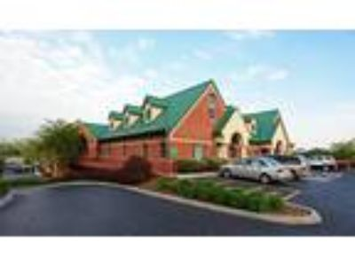 Knoxville, Full service rates with all utilities and